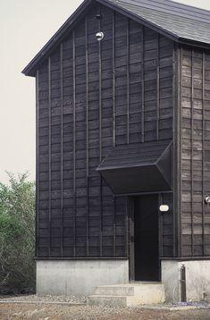 Wooden cottage in Tsumari by Daigo Ishii & Future-scape Architects.