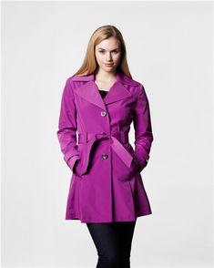 Great Sale On My Favorite Travel Coats  - http://heelsfirsttravel.boardingarea.com/2013/10/17/great-sale-favorite-travel-coats/