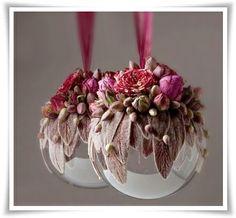 Svenska Blomsterbloggar: Finaste julkulan // Floral Ornaments