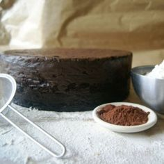 9-inch-round-chocolate-sponge-cake-to-decorate