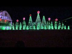 Jingle Bells Techno - Synchronized Christmas Light Show to Music    Uploaded on Dec 17, 2010  Best Lightshow in Southern Idaho, Located just South of Rupert, ID on Hwy 24. (2010)
