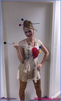 Voodoo Doll and her Voodoo King Costume - Halloween Costume Contest Disfarces Halloween, Halloween Meninas, Halloween Costumes Women Creative, Halloween Mignon, 2017 Halloween Costumes, Couples Halloween, Halloween Costume Contest, Halloween Cosplay, Costumes For Women