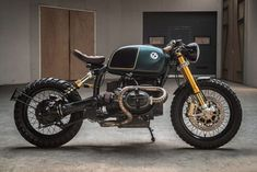 The best cafe racer motorcycles, from classic bikes to modern-day specials. Discover the parts and upgrades that'll take your own bike to the next level. Bmw Cafe Racer, Cg 125 Cafe Racer, Estilo Cafe Racer, Cafe Racer Motorcycle, Motorcycle Types, Chopper Motorcycle, Motorcycle Travel, Girl Motorcycle, Motorcycle Quotes