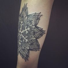 50 Cute Snowflake Tattoo Ideas – Express Your Individuality With These Icy Little Marvels