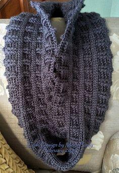 Quincy Reversible Cowl: free crochet pattern