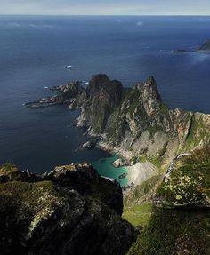 Tag someone Photo: @hege_abrahamsen  Location: Norway, Måtinden #DreamchasersNorway