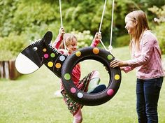 DIY instructions: build a pony-shaped swing from car tires / diy tutorial: horse s . - DIY instructions: build a pony-shaped swing from car tires / diy tutorial: horse swing made of tire - Diy For Kids, Cool Kids, Crafts For Kids, Diy Ikea Hacks, Horse Swing, Water Games, Flowers Nature, Outdoor Projects, Diy Tutorial