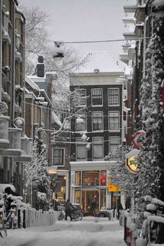 Narrow side street in snowy Amsterdam, Netherlands