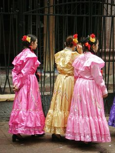 Cinco de Mayo Parade on Saturday, May 2, 2015 – Hispanic Houston http://ow.ly/M5Kmx #houstonevents #hispanichou