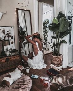 @annegolfarelli beautiful boho room found by Summer Sun Home Art ||  Wall Decor, Wall Art, Gallery Wall, Home Decor DIY, Home Decor on a Budget, Apartment Decorating on a budget, Apartment Decorating College, Dorm Room Ideas, Dorm Room Decor, Dorm Decor, Tumblr Room Decor DIY, Boho Chic Decor, White Aesthetic, Modern Vintage, Midcentury Modern, Interior Decorating, Scandinavian Interior, Nordic Interior, Blush Grey Bedroom #DIYHomeDecorTumblr