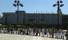 Shoda se je udeležilo ogromno ljudi, vsaj tisoč, ki so se izpred parlamenta počasi odpravili proti Prešernovem trgu.