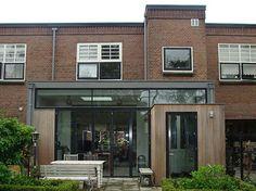 Uw kinderen worden te groot en uw huis te klein? Dan biedt een uitbouw of serre een uitkomt. Vraag een offerte aan bij Probouw uit Leiden.