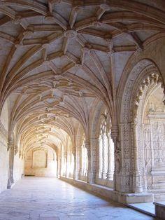 ジェロニモス修道院 - ジェロニモス修道院 - Wikipedia Barcelona Cathedral, Building, Literature Books, Travel, Portugal, Photographs, Drawings, Viajes, Buildings