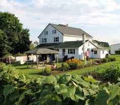 Amish Farm Guesthouses - Lancaster Farm Bed & Breakfast