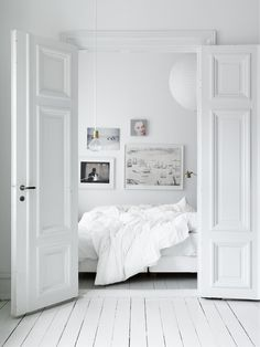 Think I'm going to crawl into bed #white #bedrooms