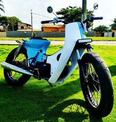 Braba de mais. Honda Dream cub. Honda Cub, Scooters, Cool Motorcycles, Mopeds, Custom Bikes, Cubs, Mini, Prams, Custom Motorcycles