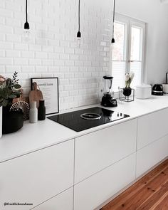 Cozy Kitchen – These are the ingredients for the feel-good look! In terms of well-being … - Kitchens Remodel Ideas Cozy Kitchen, Scandinavian Kitchen, Kitchen Living, Kitchen Decor, Kitchen Upgrades, Cuisines Design, Küchen Design, Modern Kitchen Design, Kitchen Interior