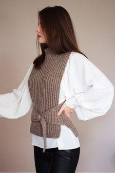 Knit Vest Pattern, Sweater Knitting Patterns, Baby Knitting, Mode Crochet, Knit Crochet, Knit Fashion, Womens Fashion, Aran Weight Yarn, Beautiful Patterns