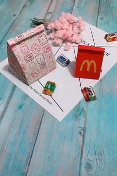 Diy Paper Bag, Cool Paper Crafts, Paper Crafts Origami, Fun Crafts, Crafts For Kids, How To Make A Paper Bag, How To Make Origami, Paper Gifts, Diy Crafts Hacks