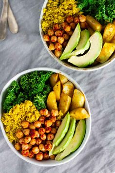 YUM! These Vegan Turmeric Quinoa Power Bowls are loaded with nutrition, antioxidants, fiber, protein, and healthy fats!