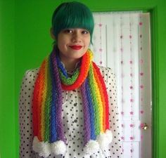 Try your hand at Finger Knitting and make this beautiful Rainbow Scarf! Get the FREE Pattern now.