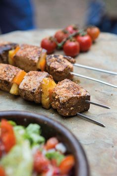 Looking for a healthy alternative to add to the braai mix? Try this recipe for fresh fish, tuna kebabs from Justin Bonello's new book Roads Less Travelled. Braai Recipes, Fish Recipes, Seafood Recipes, Seafood Dishes, Fish And Seafood, Seared Tuna, Main Course Dishes, Healthy Alternatives, Food For Thought