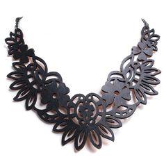 Collar Gótico Floral de Polipiel   Crazyinlove España