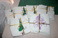 Machine Embroidery Idea - Shortbread wrapped in an embroidered tea towel.