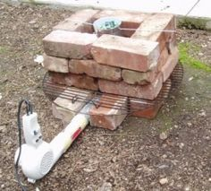 Aluminum Foundry BUILDER:     egbertfitzwilly on instructables.com  DESCRIPTION:     Homemade aluminum foundry constructed from clay bricks and fueled by charcoal. Forced air is supplied by a blow dryer.  CATEGORIES:     Casting  TAGS:     foundry  LEVEL OF DETAIL:     3  URL:     http://www.instructables.com/id/Blow-Dryer-and-Red-Brick-Aluminum-Forge/?ALLSTEPS