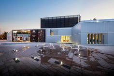Midiateca grand M / Atelier d'architecture King Kong