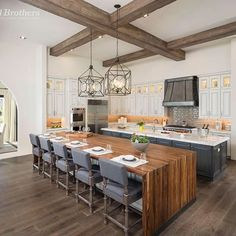 Today's #BestofToll photo, from a Vacaro model home in #Arizona, is a kitchen that is sure to be a hit with your guests – #enjoy everyone's company with this #luxurious open floor plan. To design your #dream home, check out our Design Your Own Home tool - DesignYourOwnHome.com!