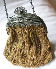 Periods & Styles Antique Gold Tone Frame Amber Knit Crochet Brown Black Iridescent Bead Purse