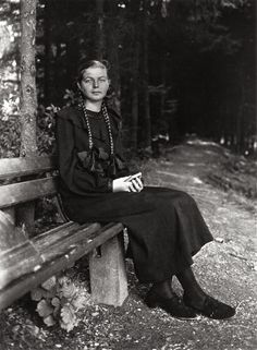 indypendent-thinking: August Sander , Young Farm Girl, 1930 (via One off… August Sander, Documentary Photographers, Portrait Photographers, Black And White Portraits, Black And White Photography, Vintage Photographs, Vintage Photos, Vintage Portrait, Classic Portraits