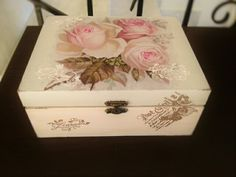 decoupage box Decoupage Box, Arts And Crafts, Diy Crafts, Cigar Boxes, Jewellery Boxes, Handmade Art, Projects To Try, Decorative Boxes, Accessories