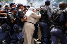 Bo-Kaap protesters in stand-off with crane