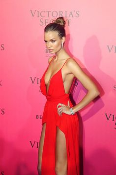 Josephine Skriver looking absolutely gorgeous on the pink carpet for Victoria's Secret fashion show 2016.