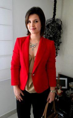 Blazer Vermelho + Dourado + Jeans Preto