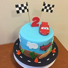 #carscake #cars #lightningmcqueen #2ndbirthday #boy #lightningmcqueencakr