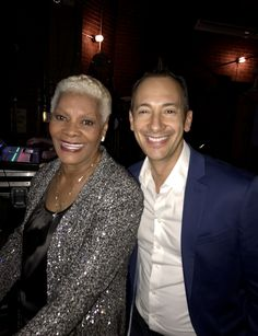 Had a great show with Dionne Warwick this past weekend in Youngstown, OH. She had TWO standing ovations that night! She is simply amazing. #carloskeyes #dionnewarwick