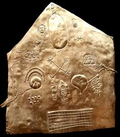 Wayne Herschel - Author - The Hidden Records - discovered 35 ancient star map cases around the world showing human origins from one of three sun stars near the Pleiades Ancient Aliens, Ancient Art, Ancient History, Alien Artifacts, The Pleiades, Sun And Stars, Weird And Wonderful, Ancient Civilizations, Designs To Draw