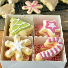 Christmas Bean Cookies with Homemade and Natural Food Dyes