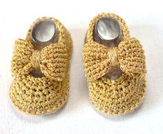 Crochet Bow Baby Booties