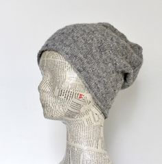 Lun, blød tophue i strukturmønster - susanne-gustafsson. Knitting For Charity, Free Knitting, Knitting Patterns, Knit Crochet, Crochet Hats, How To Purl Knit, Drops Design, Headbands, Knitted Hats