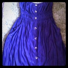 Purple Button Down Strapless Dress Beautiful purple strapless button down dress, with pockets and a banded top.  Size is 1XL. Libian Dresses Strapless