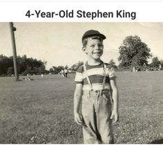 Lil Stephen King cookin' up some horror Stephen King Quotes, Stephen King Books, Carrie, King Picture, Steven King, The Dark Tower, Look At You, Famous Faces, Book Nerd