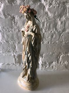 Madonna figure painted white aged patina/ Mary Statue / French Decor /Religious Statue / Home Decor /Religious / figure handmade / vintyge/ Madonna, Virgin Mary Statue, Prayer Garden, Altar Decorations, House Decorations, Home Altar, Spiritus, Religious Art, Religious Paintings