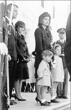Jackie kennedy onassis on pinterest jfk first ladies for John kennedy jr kids