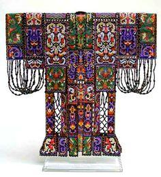 Sharmini Wirasekara is beadweaving artist from Canada