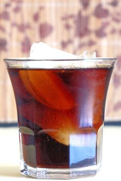 The Jack and Coke is a classic, easygoing cocktail recipe that blends Jack Daniels whiskey with cola. It's not fancy, but that's exactly what makes it so good. Dinner Recipes For Kids, Healthy Dinner Recipes, Kids Meals, Healthy Snacks, Party Food And Drinks, Bbq Drinks, Beverages, Food Plating Techniques