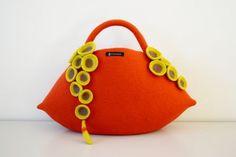 Felt bag by Atsuko Sasaki of ::taneno.:: , Japan.